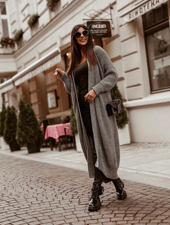 Dámsky dlhý sivý sveter (Dámsky dlhý sivý sveter)