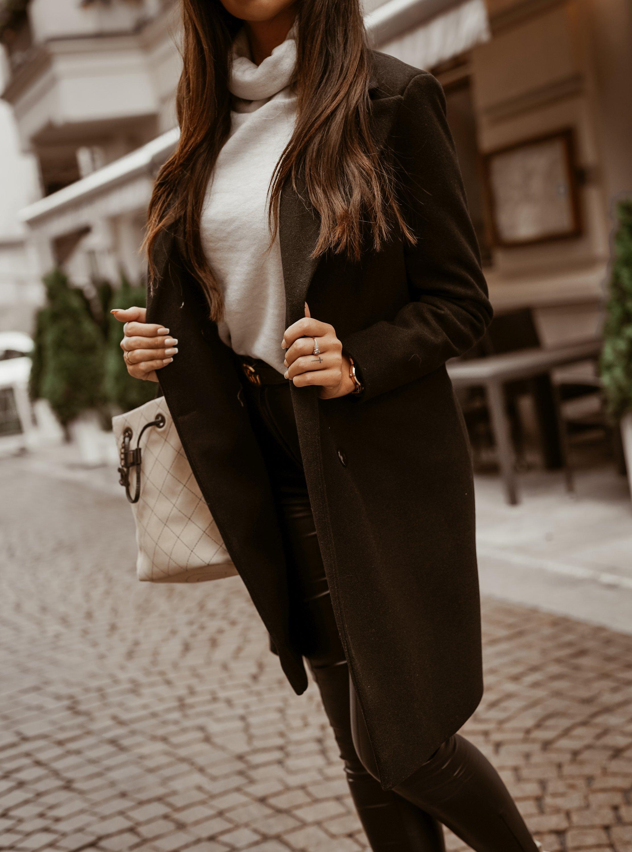 Dámsky čierny kabát (Dámsky čierny kabát)