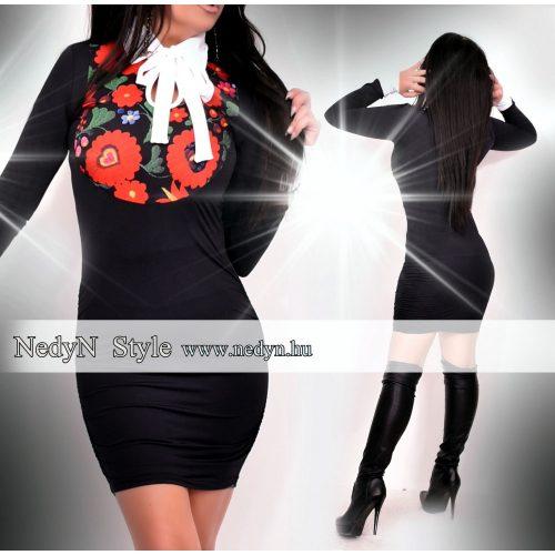 Dámske čierne šaty s kvetovaným vzorom ( Dámske čierne šaty s kvetovaným vzorom)