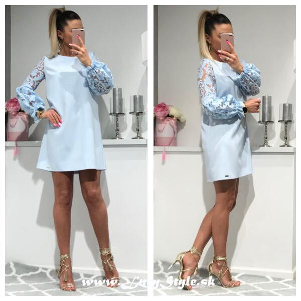 Elegantné dámske modré šaty volného strihu (Elegantné dámske modré šaty volného strihu)