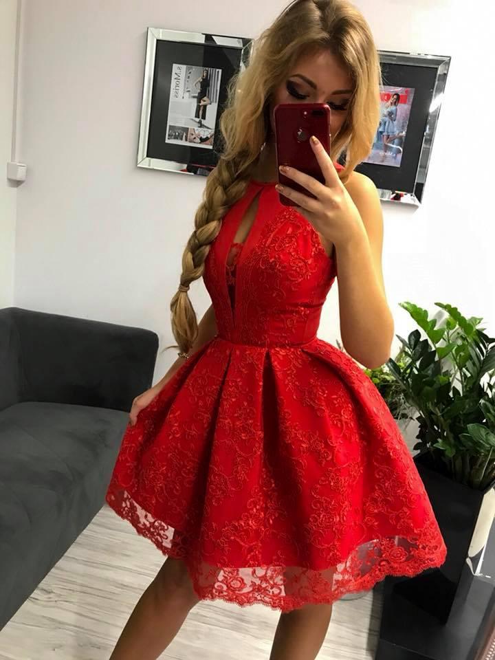 Spoločenské krátke šaty s čipkou,červené (Spoločenské krátke šaty s čipkou,červené)