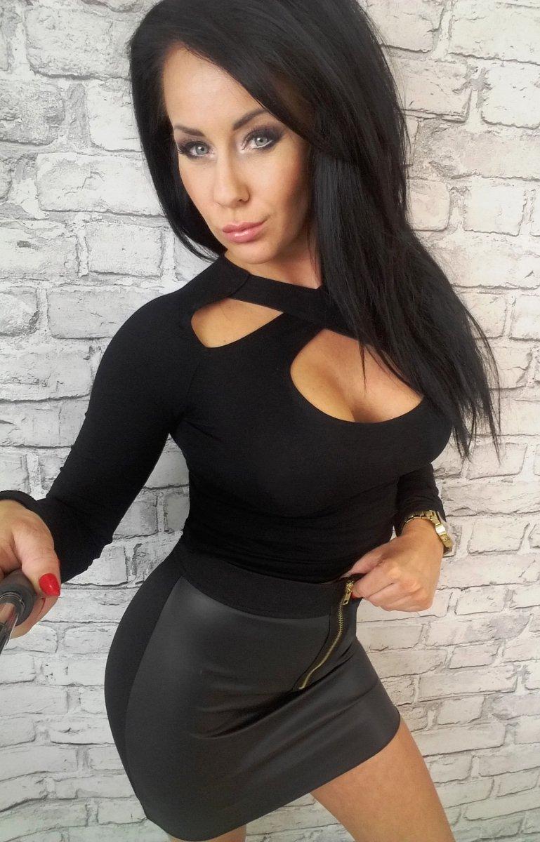 Dámske čierne tričko s dlhým rukávom (Dámske čierne tričko s dlhým rukávom)