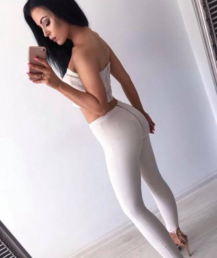 Dámsky komplet (Štýlový a sexy dámsky komplet nohavice+top)