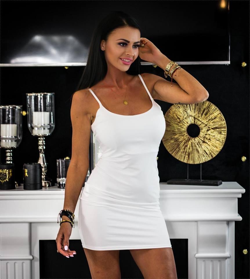 Jednoduché a sexy dámske šaty na ramienka (Jednoduché a sexy šaty na ramienka,biele)