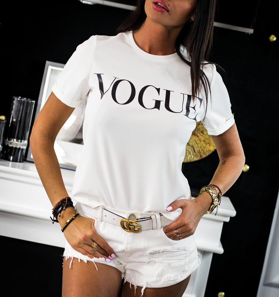 97d5ce23ab96d TRIČKA,TOPY | Jednoduché dámske tričko s nápisom ,,VOGUE