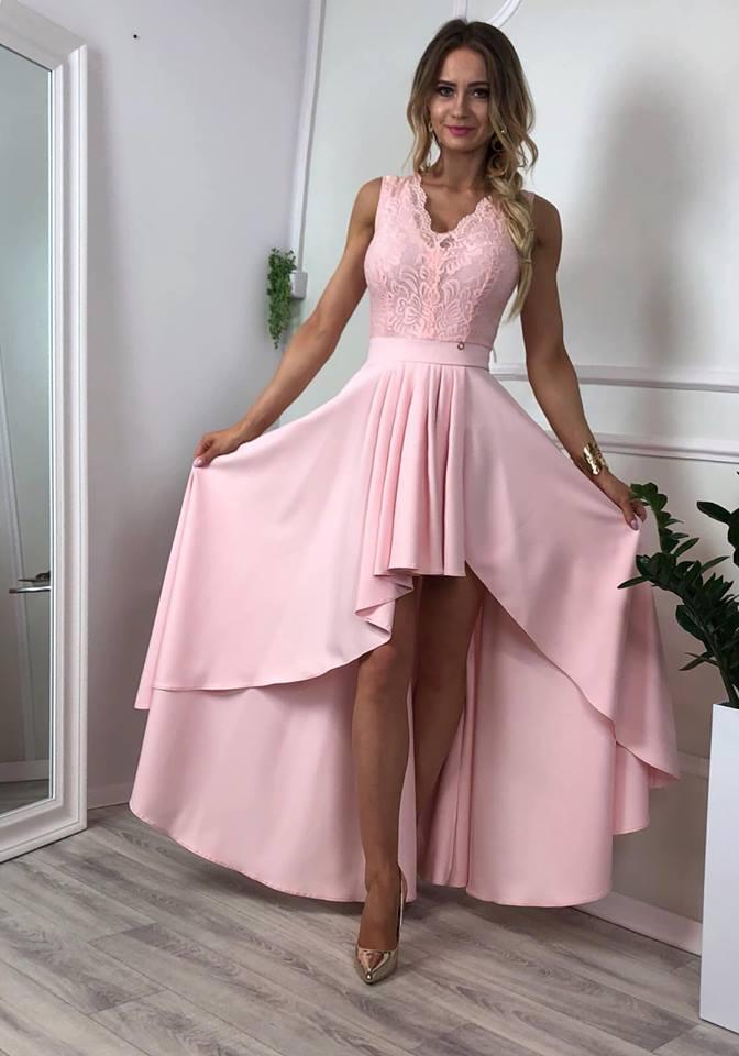 Krásne ružové spoločenské šaty (Krásne ružové spoločenské šaty)