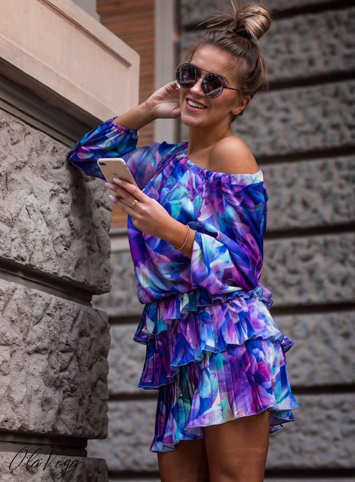 d8e3a22befc1 Krásne farebné kvetované šaty