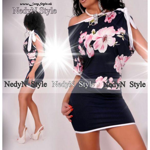 Krásne dámske kvetované šaty (Krásne dámske kvetované šaty)