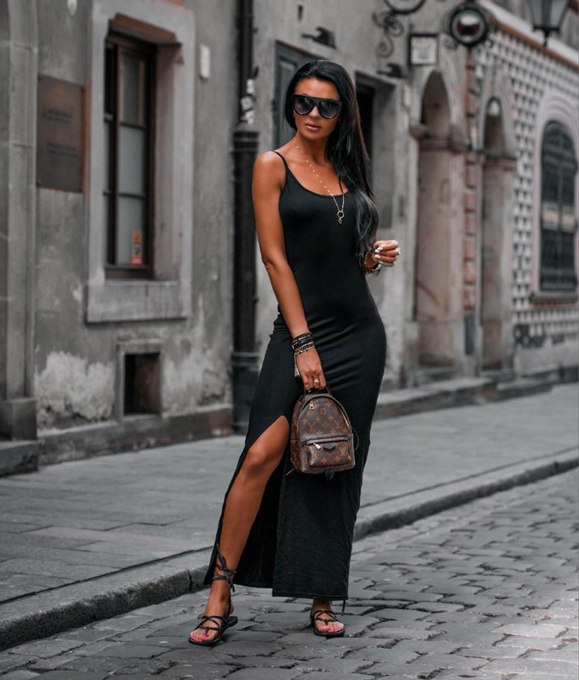 Jednoduché maxi šaty na ramienka,čierne (Jednoduché letné dámske maxi šaty na ramienka)