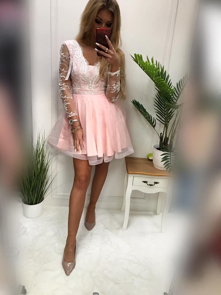 Krátke spoločenské šaty (Krátke spoločenské šaty )