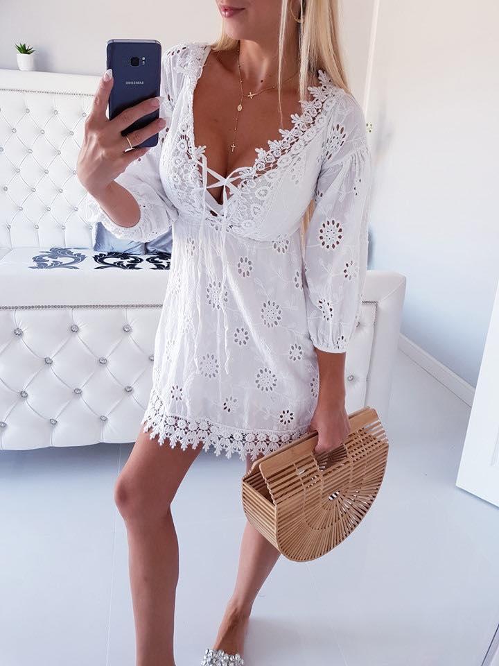 Biele dámske šaty s krajkou (Biele dámske šaty s krajkou)