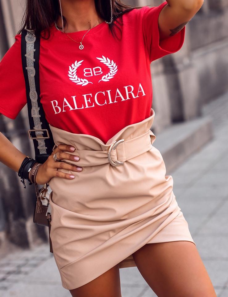 Štýlové dámske tričko s krátkym rukávom,červené BALECIARA (Štýlové dámske tričko s krátkym rukávom,červené BALECIARA)