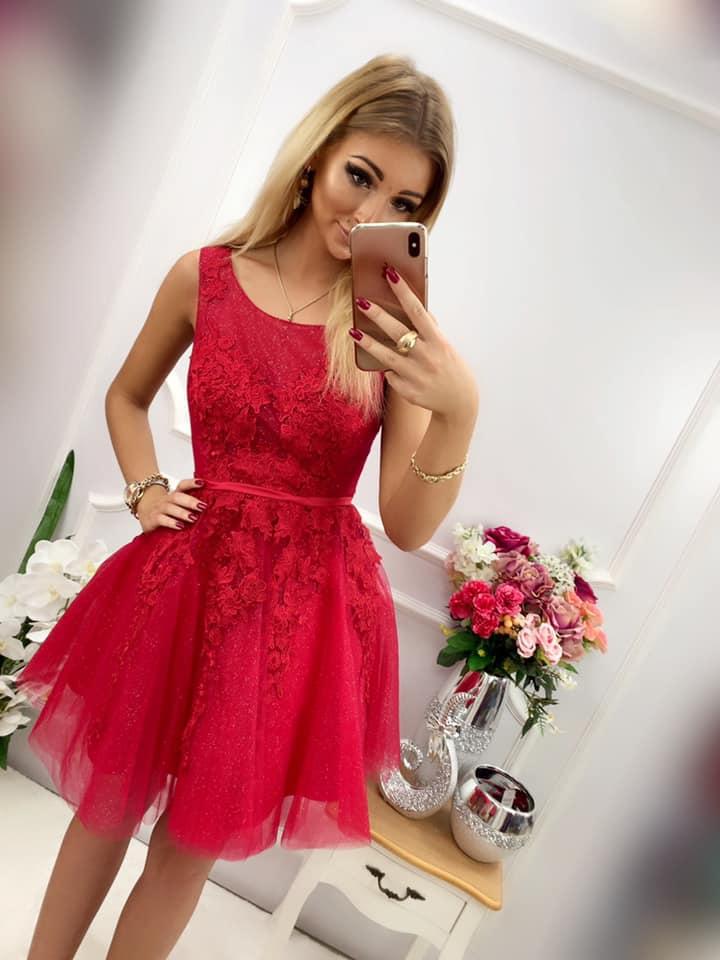 Spoločenské šaty krátke červené (Spoločenské šaty krátke červené)