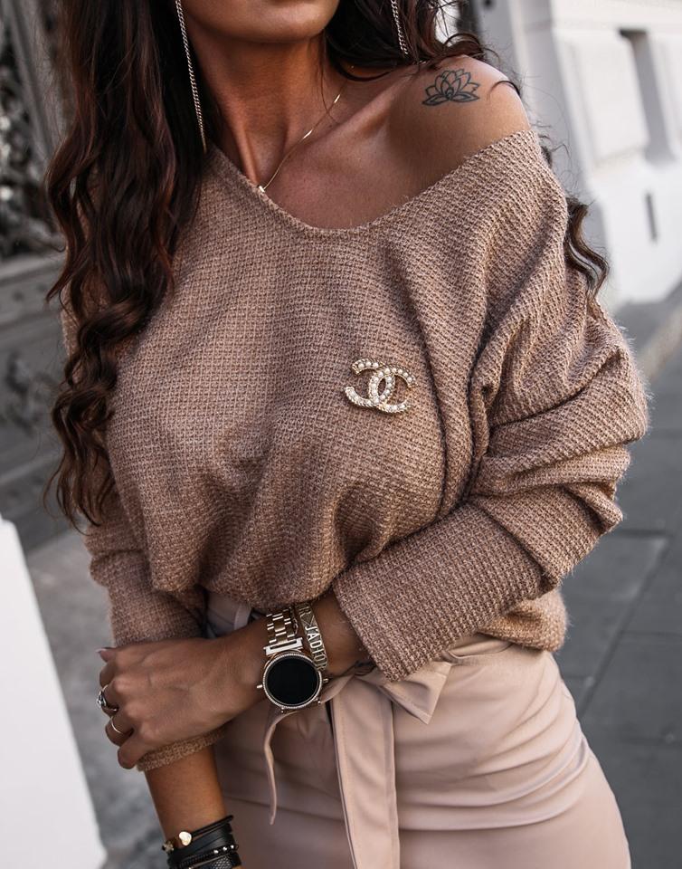 Dámsky sveter s brošnou,hnedý (Dámsky sveter s brošnou,hnedý)