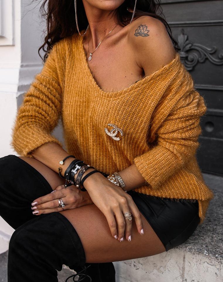 Dámsky sveter s brošňou,horčicový (Štýlový dámsky sveter s brošňou,horčicový)