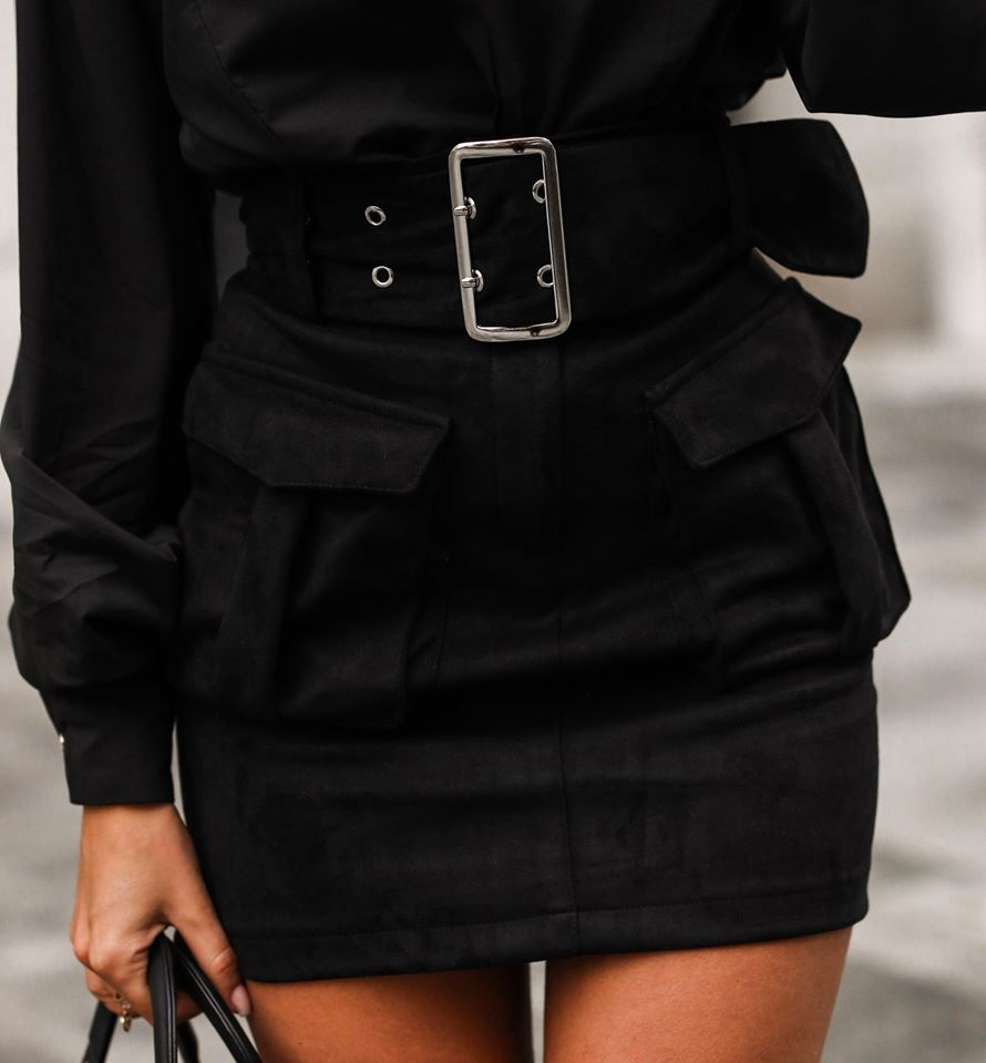 Dámska čierna sukňa s vreckama (Dámska čierna sukňa s vreckama)