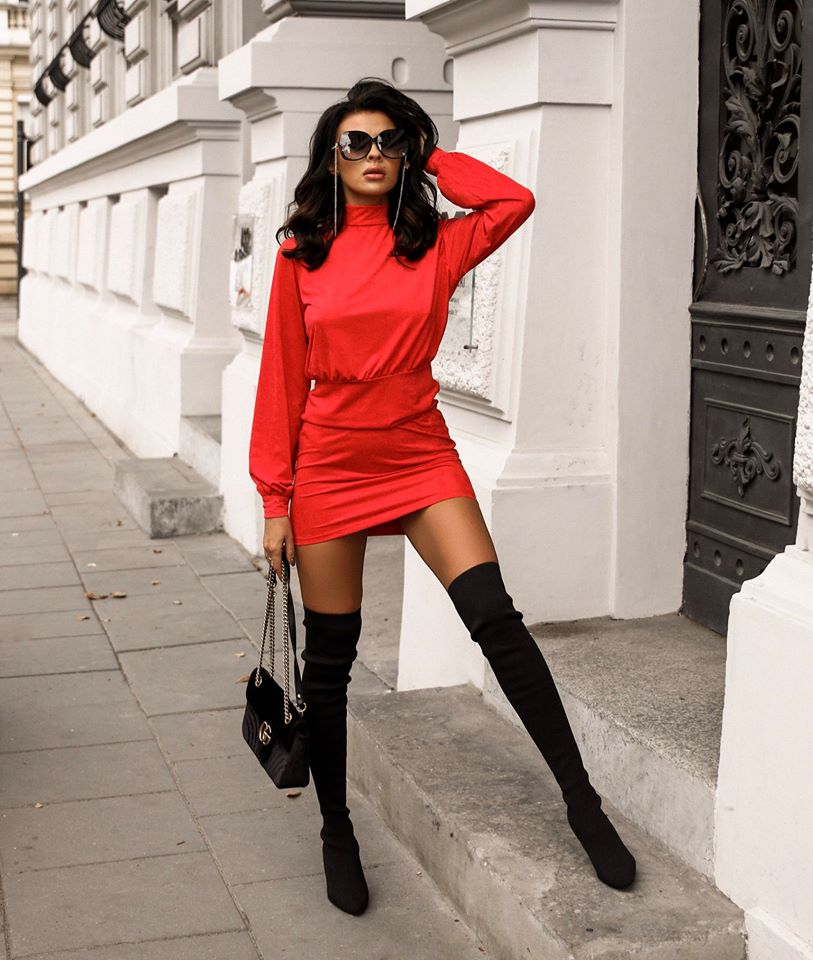 Dámske červené šaty (Dámske červené šaty)