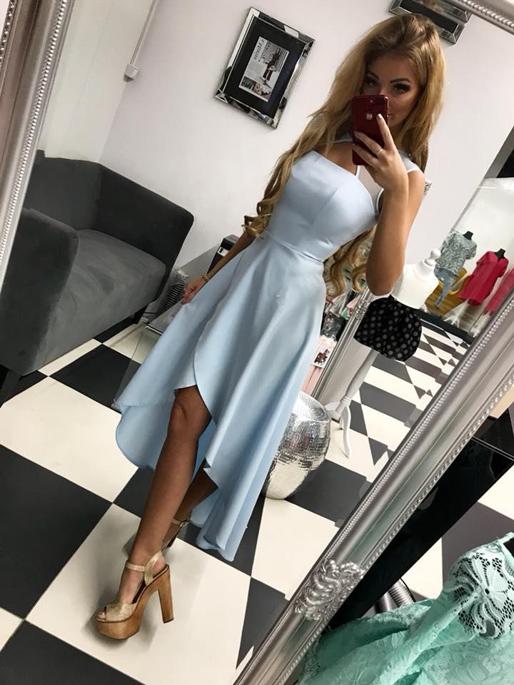 c36b9a5312c6 Elegantné a jednoduche spoločenské šaty