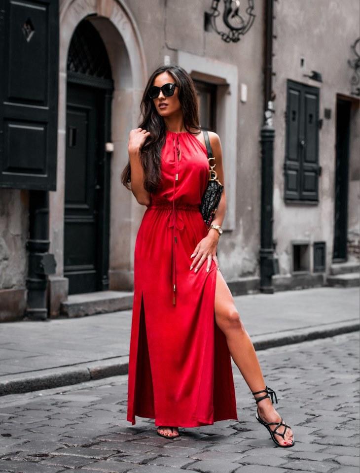 8256e4bb06f5 Dámske červené maxi šaty empty